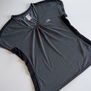 The North Face tee size large